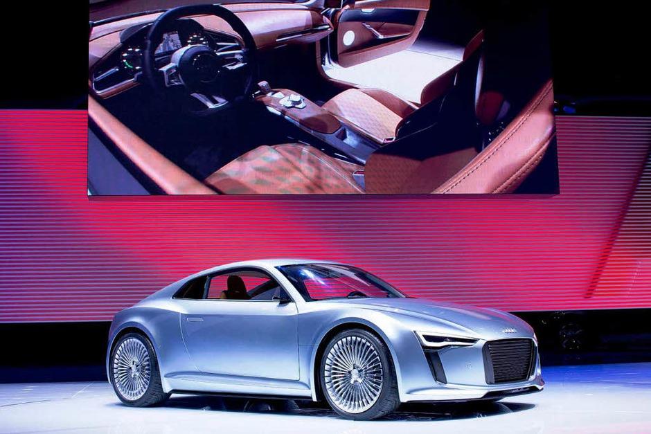 Einer der Höhepunkte: Die  Weltpremiere der Elektrostudie  e-tron von Audi. (Foto: dpa)