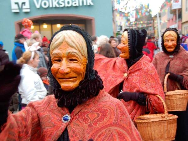 Die Staufener Schelmenzunft feierte mit einem großen Jubiläumsumzug ihr 75-jähriges Bestehen.