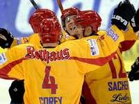 Fotos: Eishockey-Derby Schwenningen gegen Freiburg