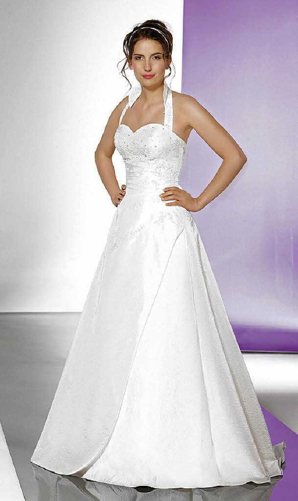 Ungewöhnlich Hochzeitskleid Für Größere Damen Fotos - Brautkleider ...
