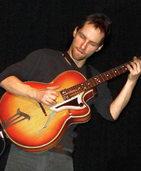 Endlose Töne aus den Gitarrensaiten