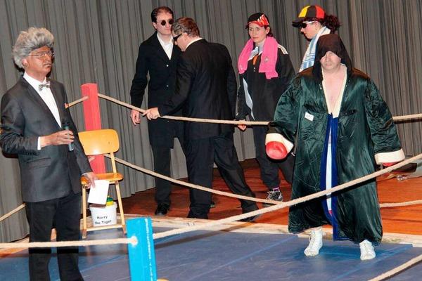 Schwergewichtskampf in der Schwarzwaldhalle