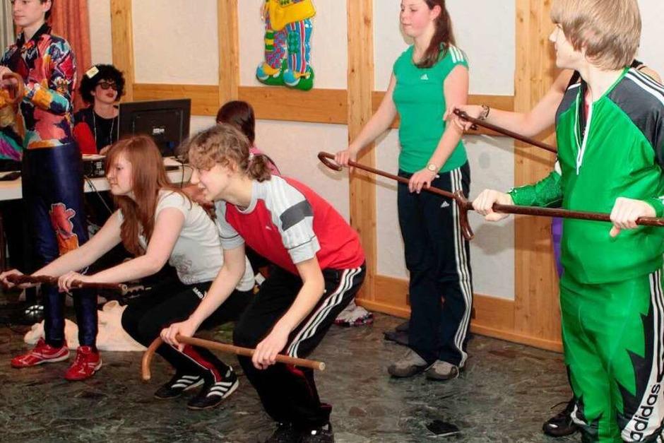 Kolping-Jugendgruppe mit einem Tanz dabei (Foto: Wilfried Dieckmann)