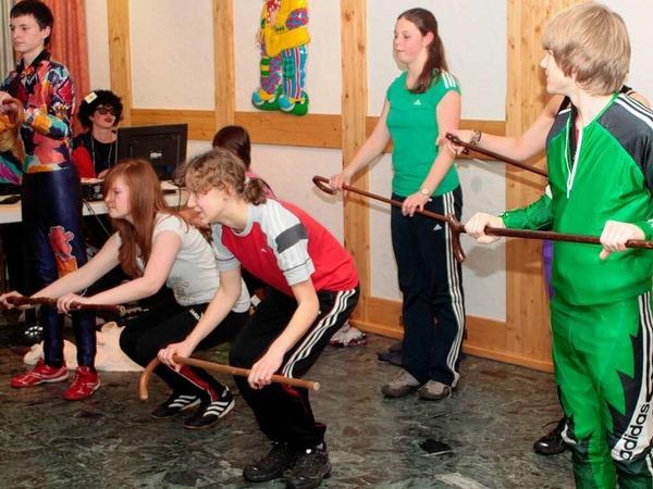 Kolping-Jugendgruppe mit einem Tanz dabei
