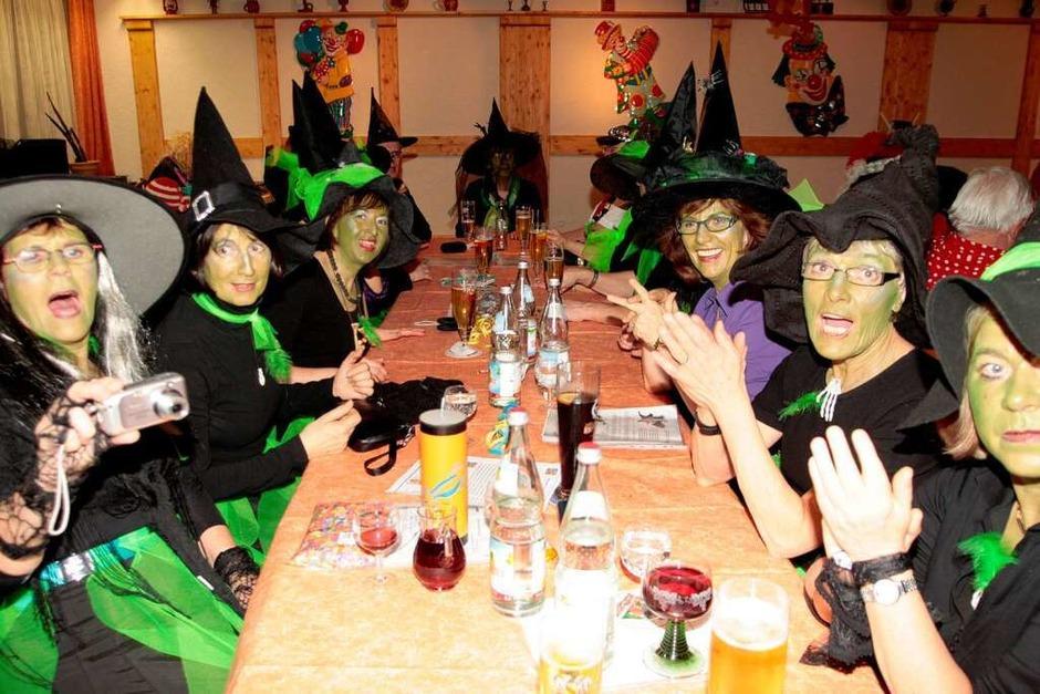 Viele Hexen gab´s beim Wiiberobed in Birkendorf (Foto: Wilfried Dieckmann)