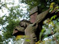 Klage: Darf sich die katholische Kirche christlich nennen?