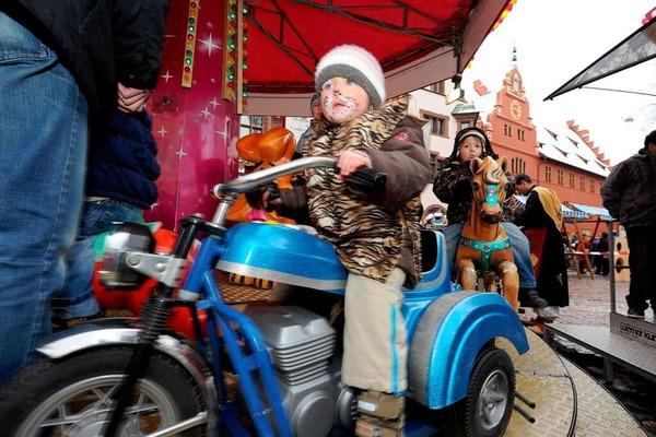 Betrieb rund um die Kajo: Straßenfasnet in der Freiburger Innenstadt