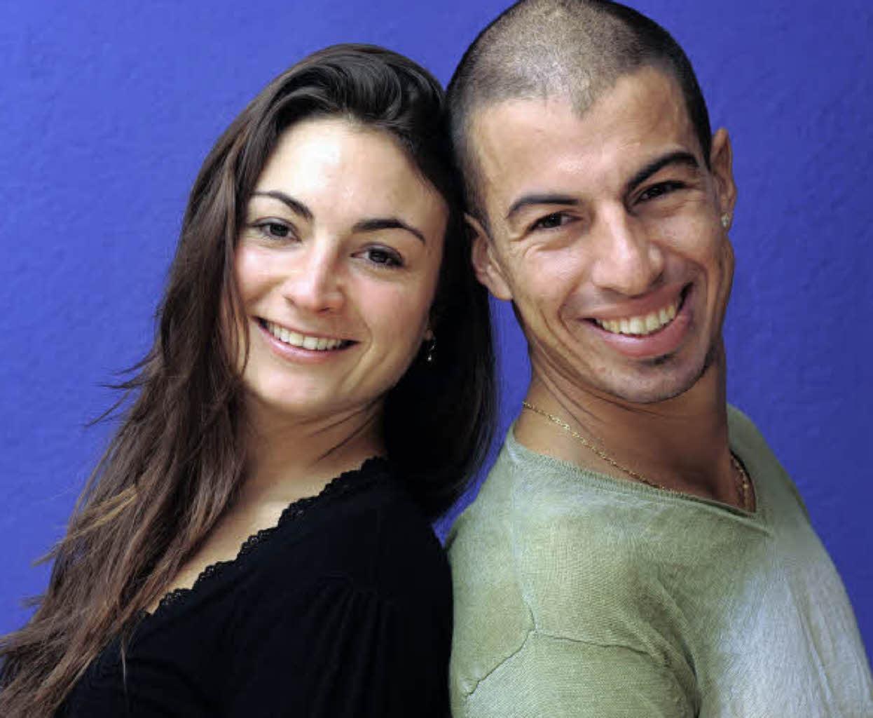 Das Salsa-Paar Anne Böhm und Anichi Perez versteht sich auf der Tanzfläche ...