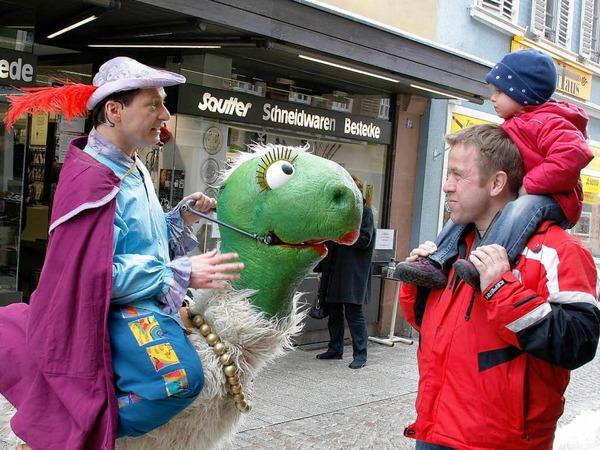 Bilder vom Eröffnungstag der 11. Puppenparade in Lahr