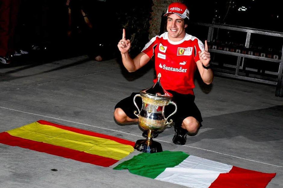 Motorsport mitten in der Wüste: Das erste Formel 1 Rennen der Saison 2010 in Bahrain. (Foto: dpa)