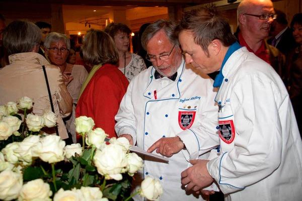 Siegfried Schilling, Vorsitzender des Köcheclubs (links)  und sein Vize Peter Bernhard (Küchenchef im Waldhotel am Notschrei) hatten alles im Griff.