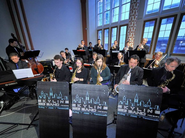 Für die musikalische Unterhaltung sorgte die Skyline Big Band.