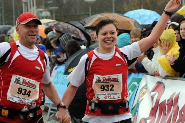 Video: Zieleinlauf des Freiburg Marathons