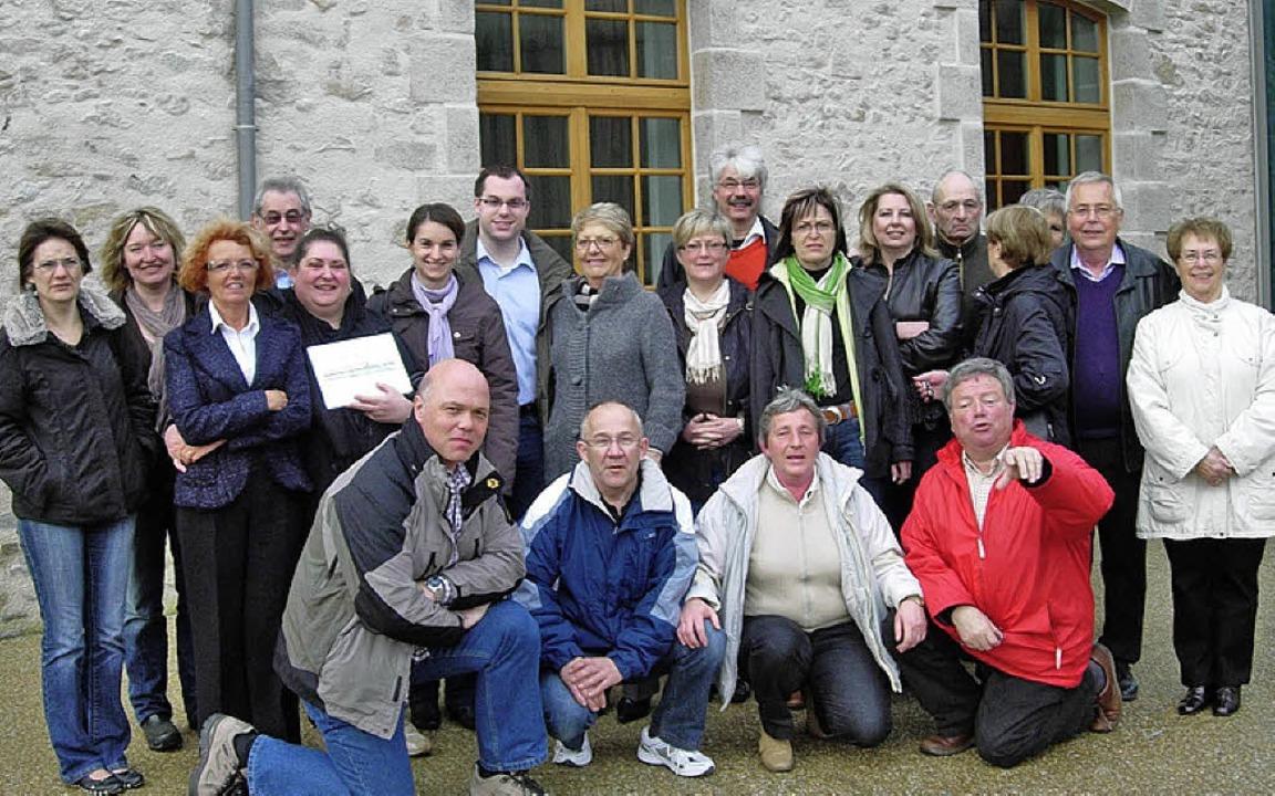 Gastgeber und Gäste stellten sich  vor...  Le Croisic zu einem Gruppenbild auf.    Foto: Stadt Laufenburg