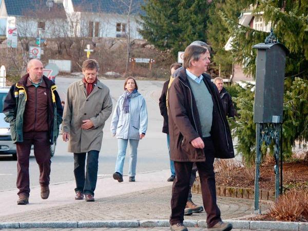 Vom Muchenland wanderte das Kabinett bis zur Wittlisberger Kapelle, von wo es nach einer kleinen, hochprozentigen St�rkung weiterging bis zum Ch�mi-H�sli