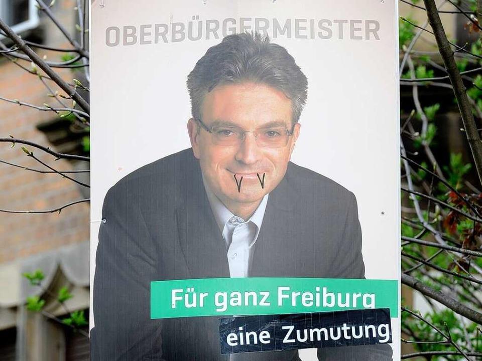 Wahlplakat von Dieter Salomon, nachdem... sich daran zu schaffen gemacht haben.    Foto: Ingo Schneider