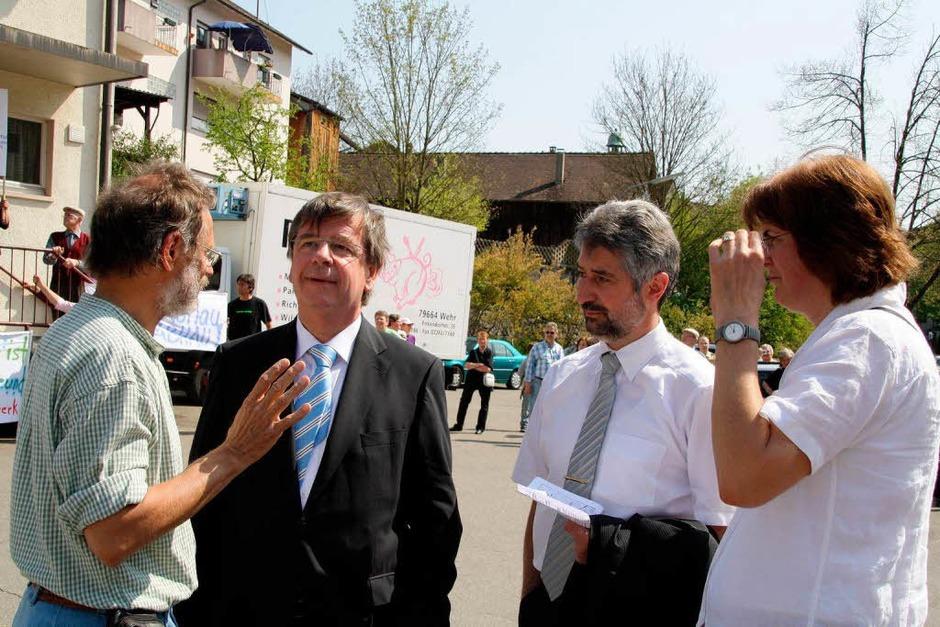 Mit Transparenten, Plakaten, Flugblättern und Sprechchören machten die Demonstranten auf ihre Anliegen aufmerksam. (Foto: Katja Mielcarek)