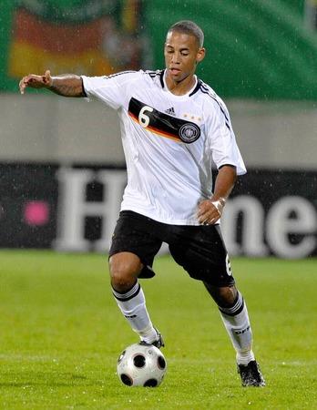 Dennis Aogo, Abwehrspieler vom Hamburger SV