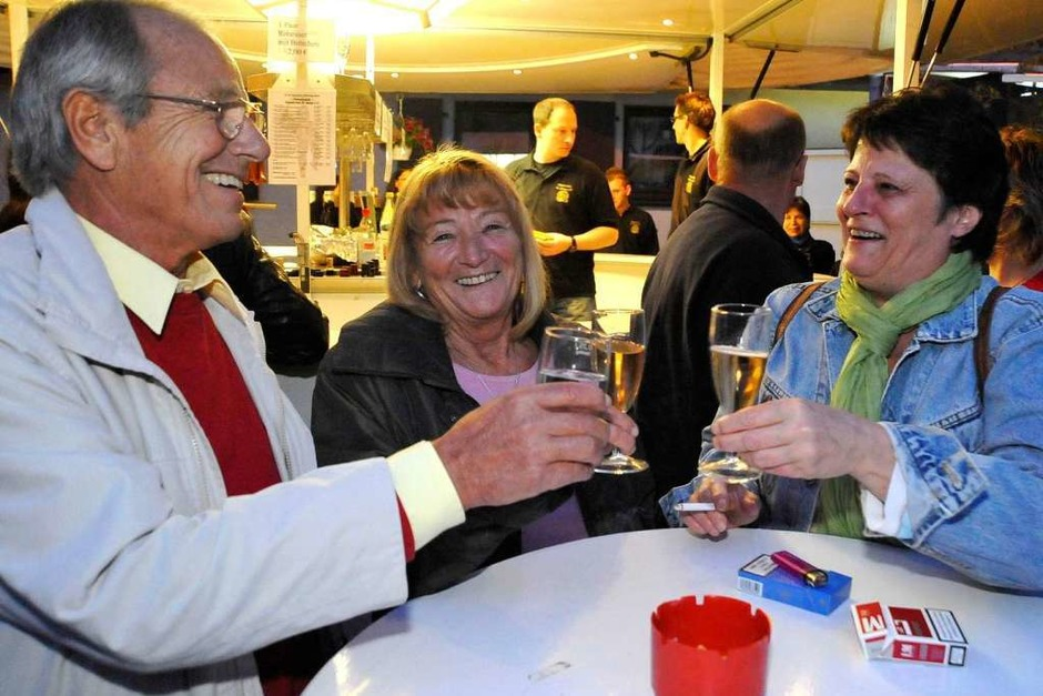 Wein, Gesang – und auch der Rest kommt nicht zu kurz: Eindrücke von den St. Georgener Weintagen (Foto: Michael Bamberger)