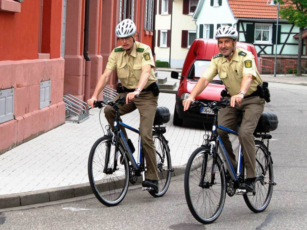 generic polizei sirenen klingel f r das fahrrad mit 6. Black Bedroom Furniture Sets. Home Design Ideas