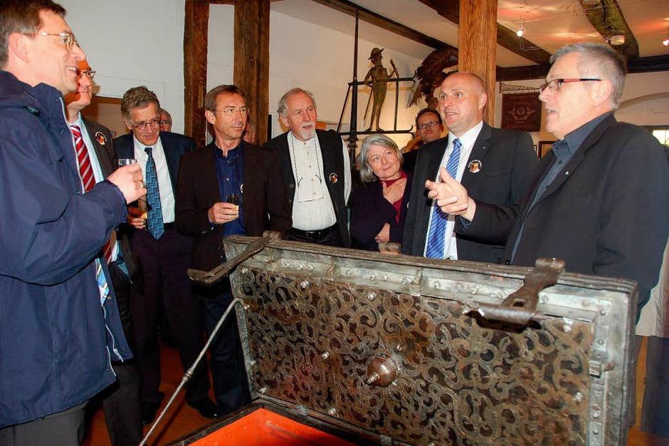 Museumsführungen mit Hans-Jörg Jenne sind ein Erlebnis – die Geschichtenaus der Geschichte sprudelten nur so. (Foto: Sylvia-Karina Jahn)