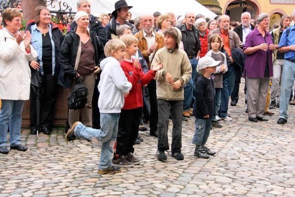 Drei Tage lang vergnügten sich die Besucher bei Wein & Musik in der Innenstadt.