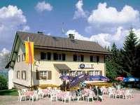 Rasthaus Hochfirst: Aussicht auf Titisee und Alpen