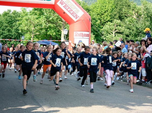 Impressionen von den Kinder- und Jugendlufen beim Sonnwendlauf in Seelbach
