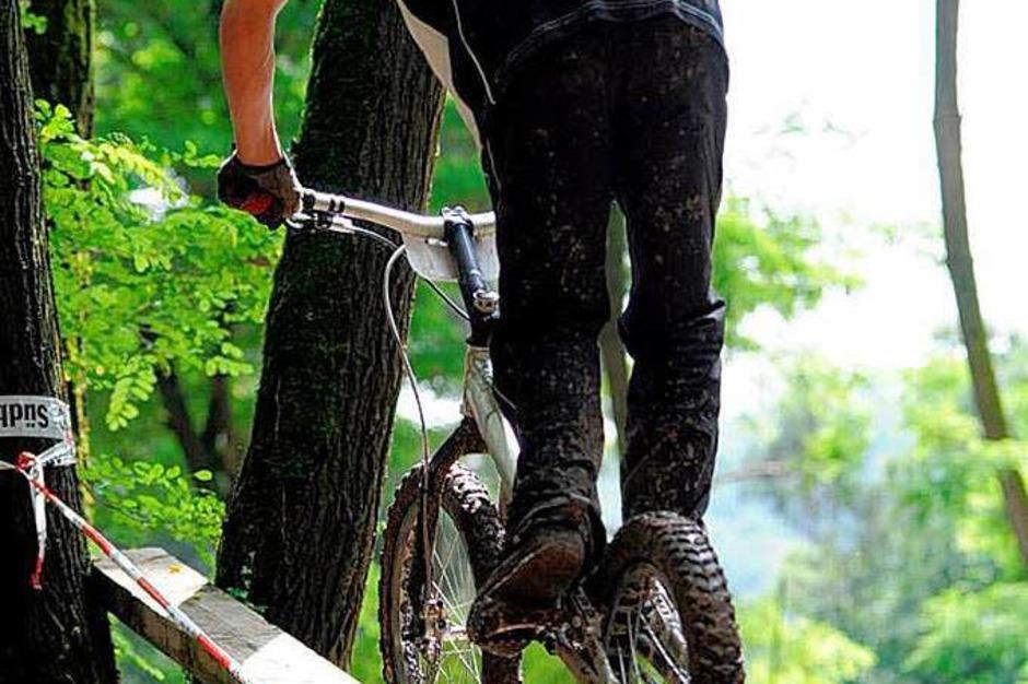 Die Rad-Artisten auf der Strecke (Foto: Stefan Merkle)