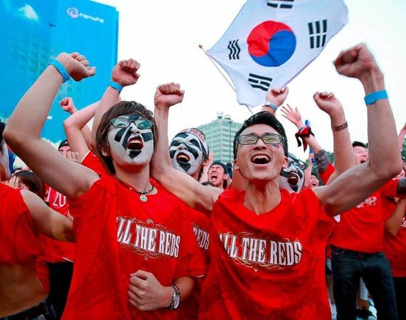 Freude in Südkorea, Tristesse in Nigeria: Das 2:2 zwischen den beiden Teams brachte die Asiaten ins Achtelfinale.