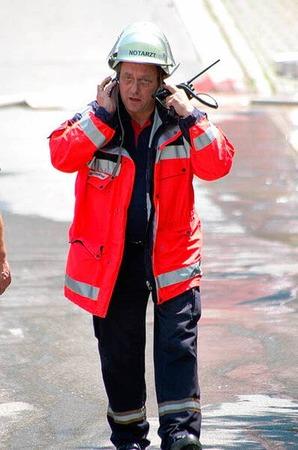 Das schnelle Eingreifen der Feuerwehr verhinderte, dass die Flammen auf benachbarte Gebäude übergriffen.