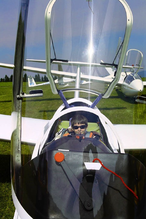 Marius war der erste, der den Flug mit dem Segelflieger wagte.  | Foto: Katja Mielcarek