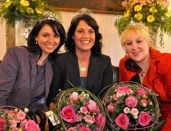 Die neuen Hoheiten: Marion Meyer (M) ist Königin, Rebecca Gut (l.) und Sarah Kappler (r.) sind Prinzessinnen.