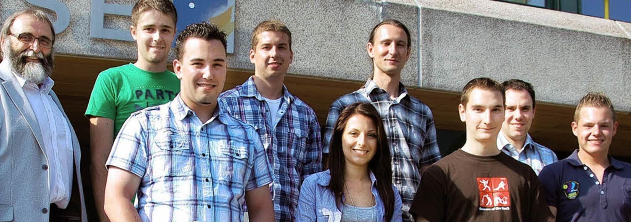 Schulleiter Hermann Weiß (links) mit d...arz, Matthias Müller und Manuel Kunz.   | Foto: GHSE