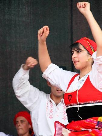 Auch eine portugisische Folkloregruppe aus Neuf-Brisach tanzte auf dem Breisacher Marktplatz.