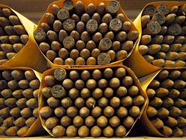 <ppp> die Dominikanische Republik streitet sich mit Kuba um die Vormacht bei der Zigarrenproduktion</ppp>