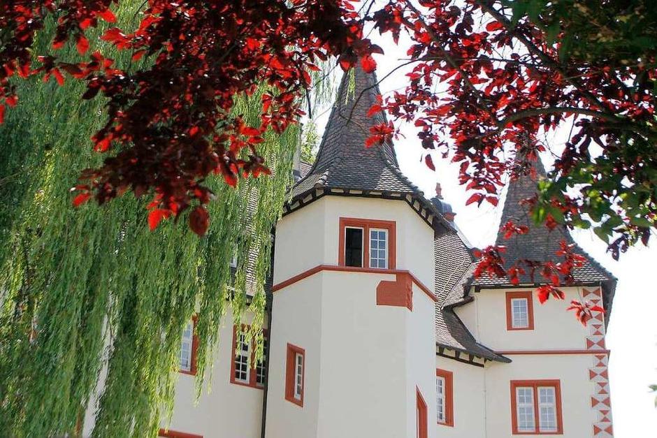 Innen- und Außenansichten des Schmieheimer Schlosses (Foto: Heidi Foessel)