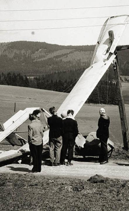 Nicht jede Landung gelang. Hier stand ...lände des heutigen Flugplatzes im Weg.    Foto: Privat