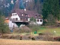 Engel Tennenbach: Auf dem Gelände eines alten Klosters