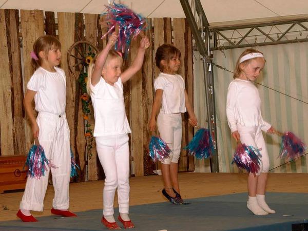 Am Sonntagnachmittag zeigten die kleinsten Turnerinnen des TuS Dachsberg ihr Programm