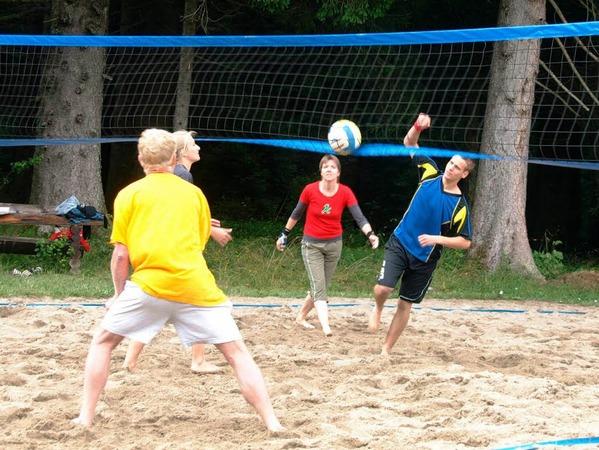 Die Beachvolleyballer kämpften am Samstagnachmittag um Punkte.