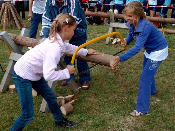 Viel Vergnügen für Aktive wie Zuschauer bereitete der Wälderwettkampf.