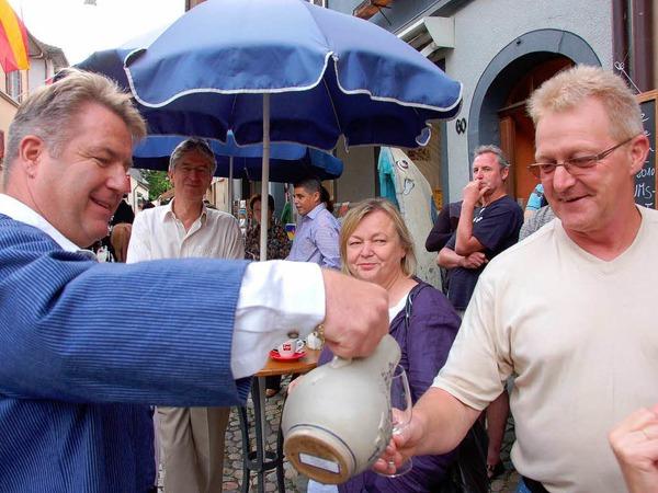 Viele Gäste kamen am Freitag zur Eröffnungsparade des Regionalen Markgräfler Weinfestes in Staufen.