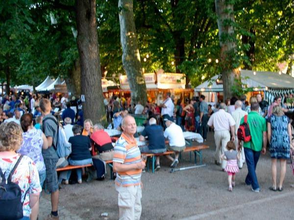 Das Markgr�fler Weinfest lockte zahlreiche Besucher an.