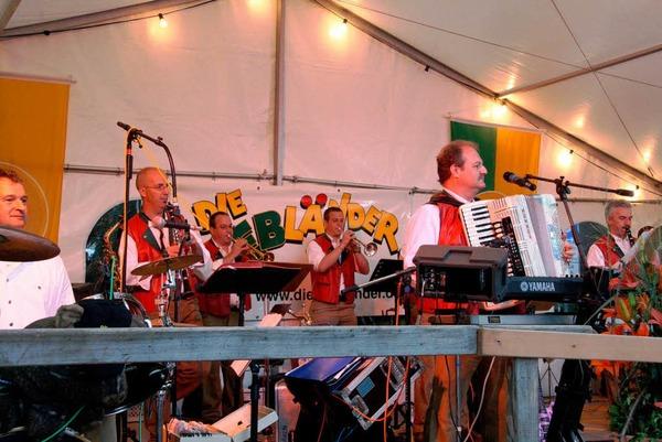 Nicht nur edle Tropfen, auch viel Musik gab's beim Markgr�fler Weinfest.