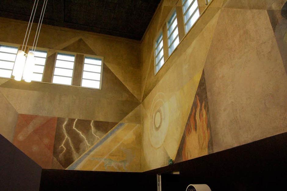 Die Wandgemälde des Berner Malers Victor Surbek wurden restauriert. Dargestellt werden die vier Elemente. (Foto: Ingrid Böhm-Jacob)