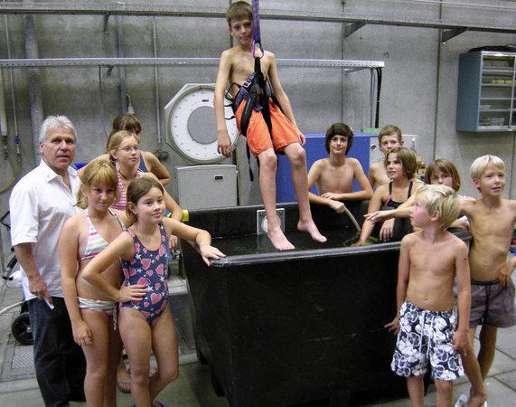 Spannender Ferientag Im Versuchslabor Fischingen