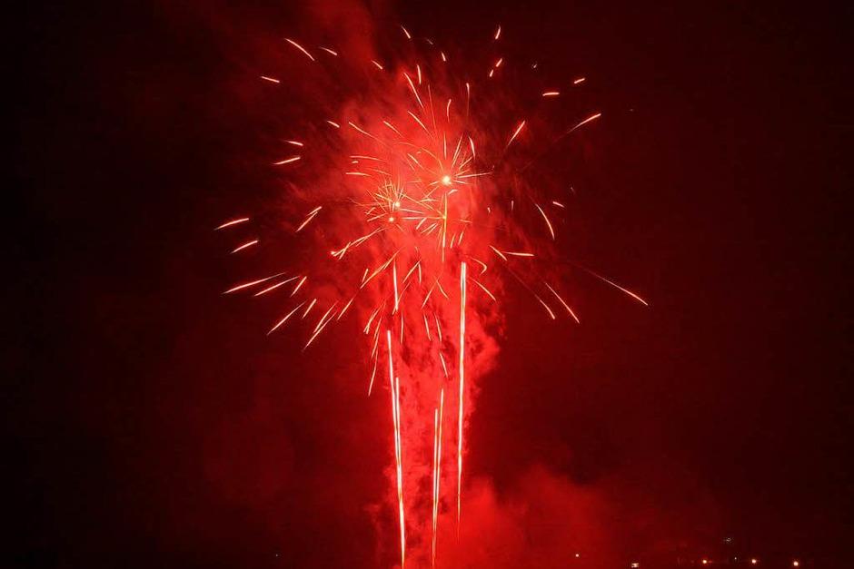 Farbenprächtig: das große Feuerwerk am Freitagabend (Foto: Ari Nahor)