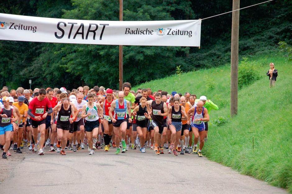 Beim Hauptlauf wurde es eng: 278 Männer und Frauen, so viele wie noch nie, waren am Start. (Foto: Saskia Baumgartner)