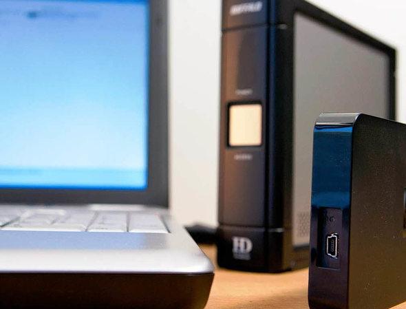 computer medien ratgeber externe festplatten wie findet man die richtige badische. Black Bedroom Furniture Sets. Home Design Ideas